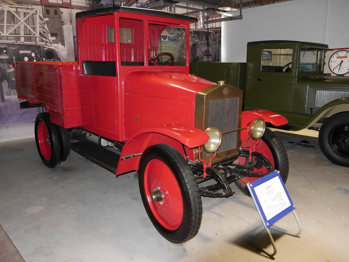 Первый советский грузовой автомобиль
